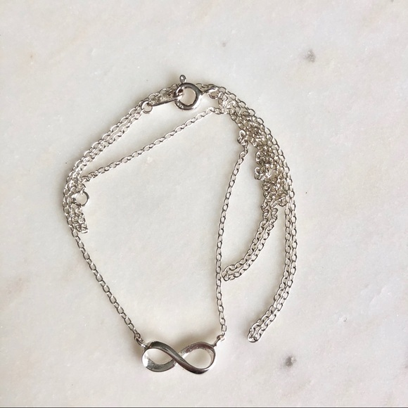 Silver necklace with ♾ pendant